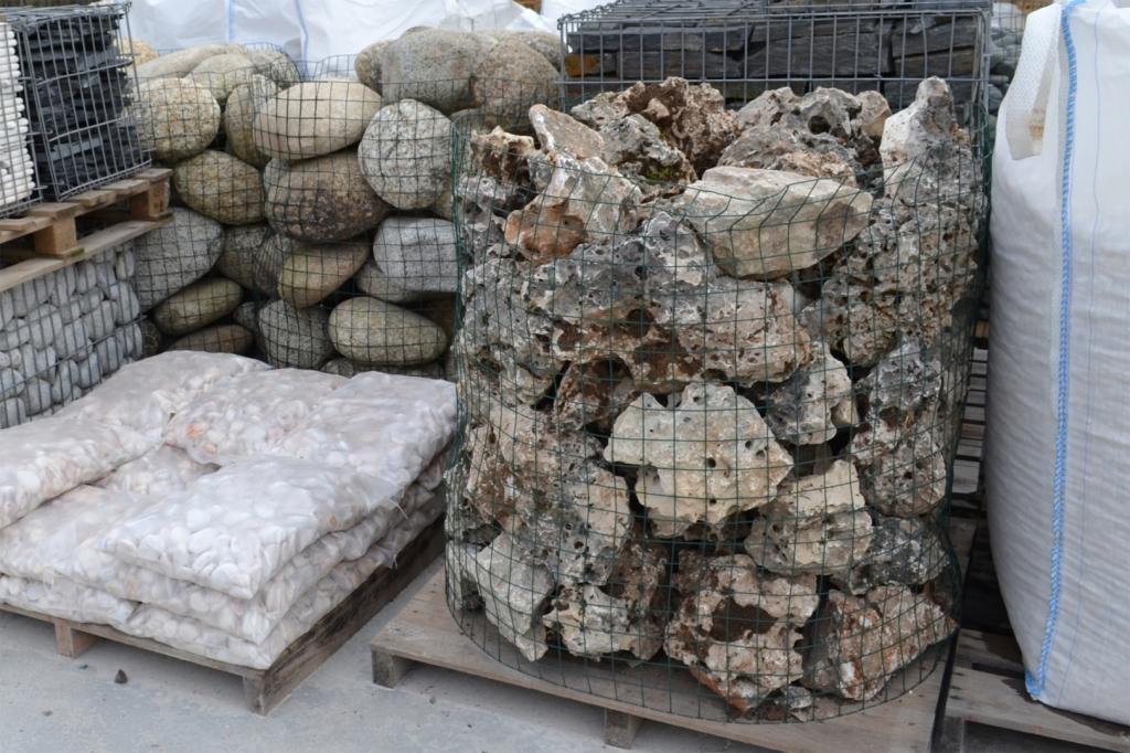 pierre pour rocaille prix excellent pierres naturelles bordeaux gironde dcoration de jardins. Black Bedroom Furniture Sets. Home Design Ideas